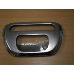 Nerezový kryt zadního brzdového světla pátých dveří Mitsubishi L200